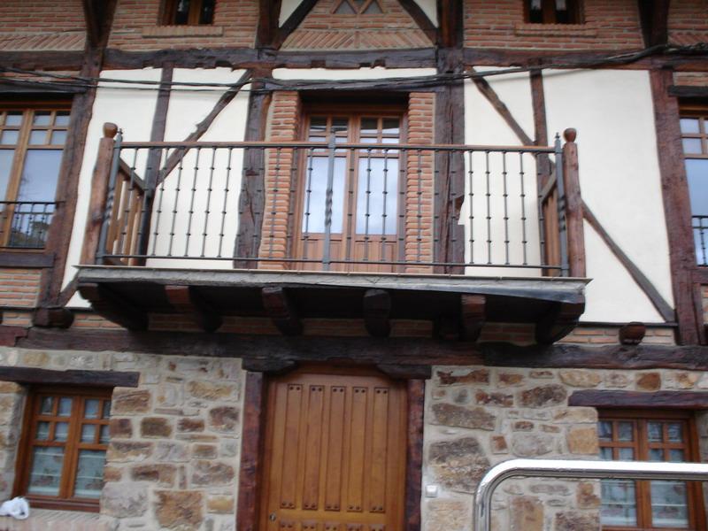 balcon_madera-hierro